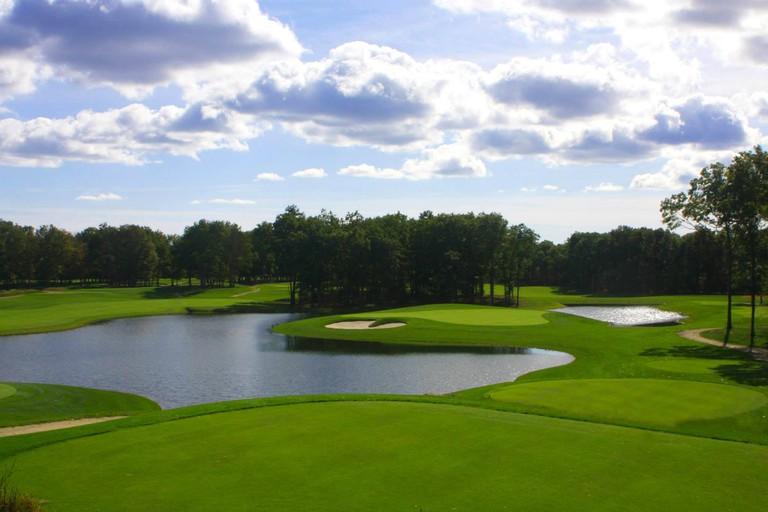 Farm Neck Golf Club | Courtesy of CYOC Family Retreat