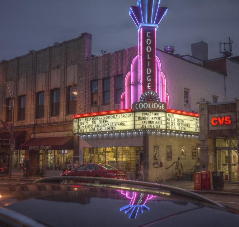 Coolidge Corner Theater at Night | © Madeleine Ball/Flickr