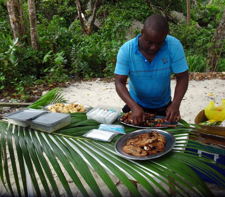 20 unmissable attractions in Seychelles - bbq on the beach at curieuse island