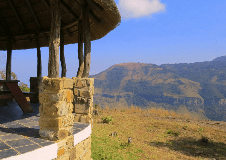 Hotels and Lodges Near Mountains_The Edge