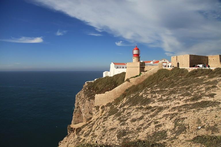 https://pixabay.com/es/faro-punta-sur-de-portugal-638343/