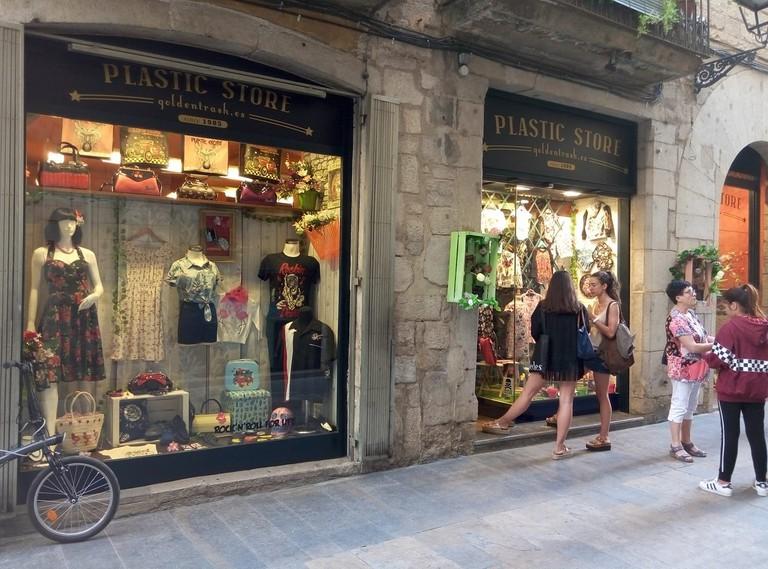 Plastic Store, Girona