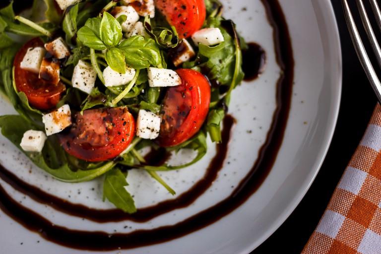Tomato Mozzarella / Public Domain /