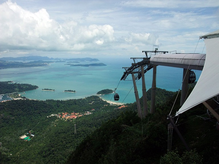 1024px-Langkawi_Cable_Car