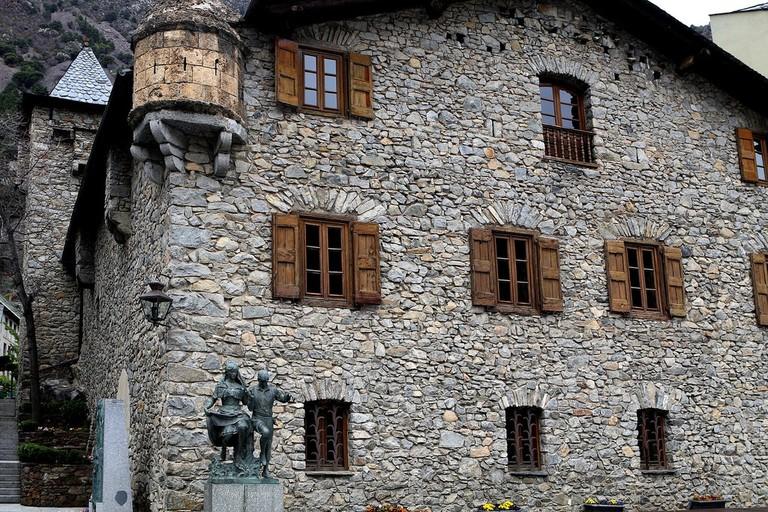 Casa de la Vall, Andorra | BarbeeAnee / Pixabay