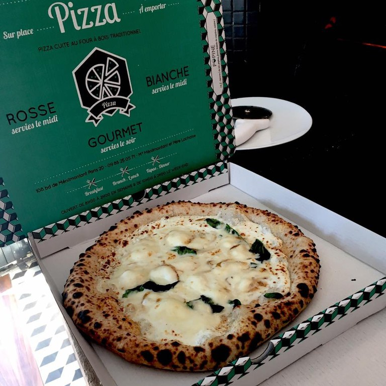 Boxed pizza at Popine │ Courtesy of Popine