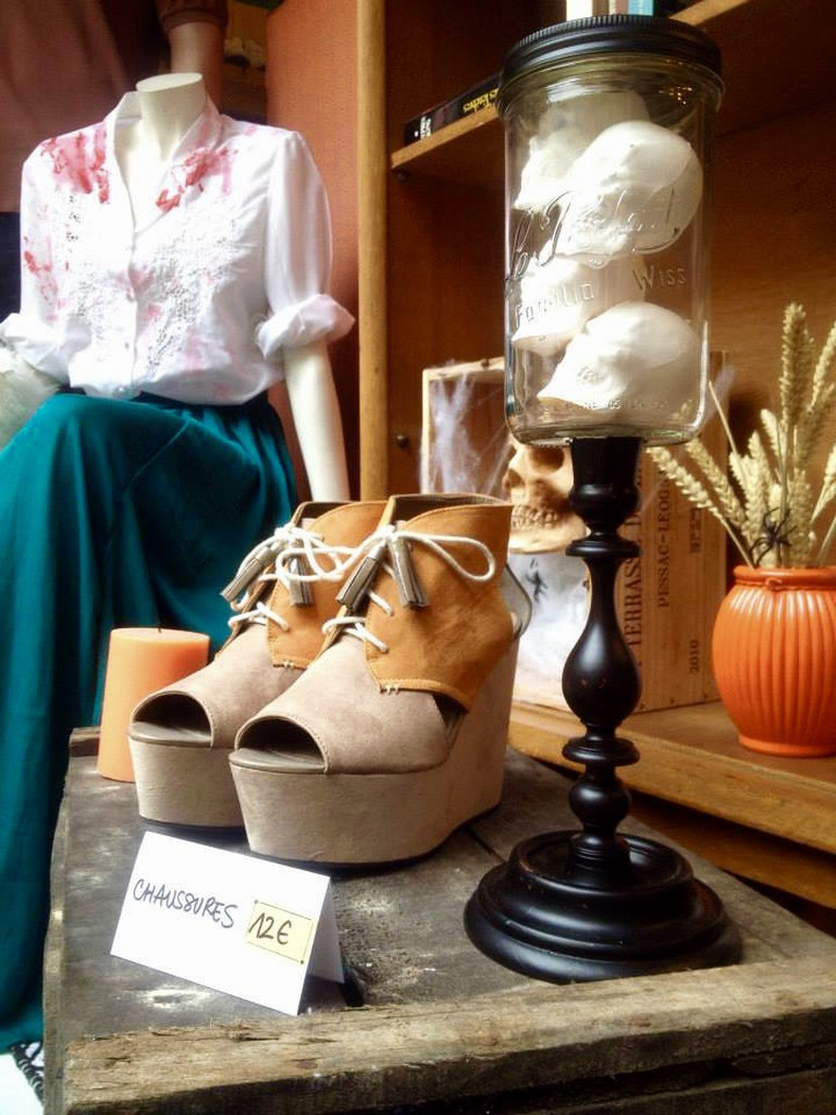 Find your perfect outfit at Trafic vintage store