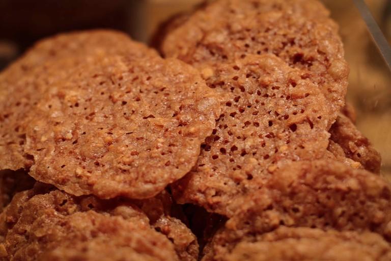 Freshly baked kletskoppen or 'lace cookies' at Juliette's   © Robbe Boone / courtesy of Juliette's Artisanale Koekenbakkerij