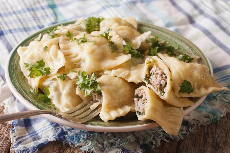German ravioli Maultaschen with spinach | © AS Food Studio/Shutterstock