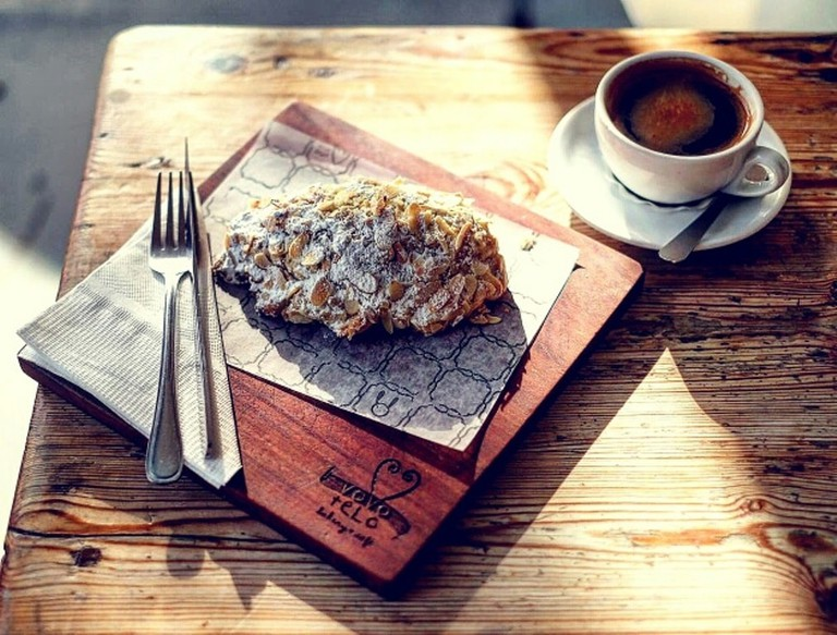Vovo Telo Almond croissant and Americano coffee