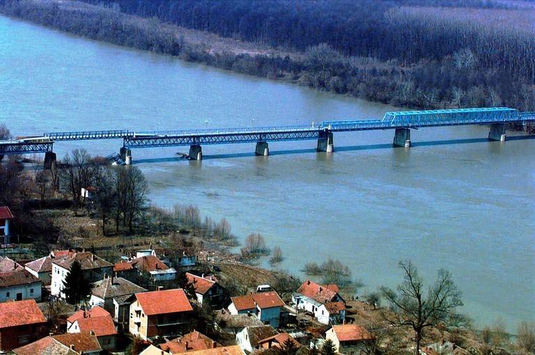 Brčko Bridge connecting Bosnia and Croatia | © Alejandro Francisco/WikiCommons