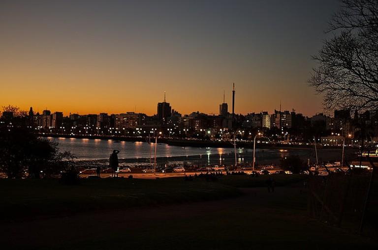 Parque Rodó at night