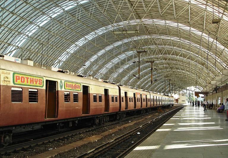 1280px-Thirumayilai_MRTS_station_2