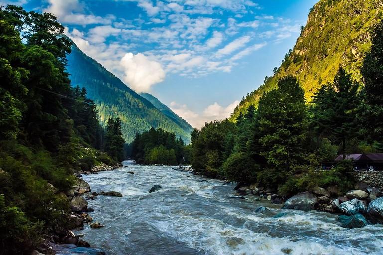 Parvati_Valley_river_kasol