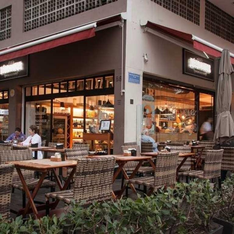 Le Depanneur's outside terrace