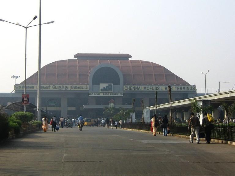 1024px-Chennai_Mofussil_Bus_Terminus