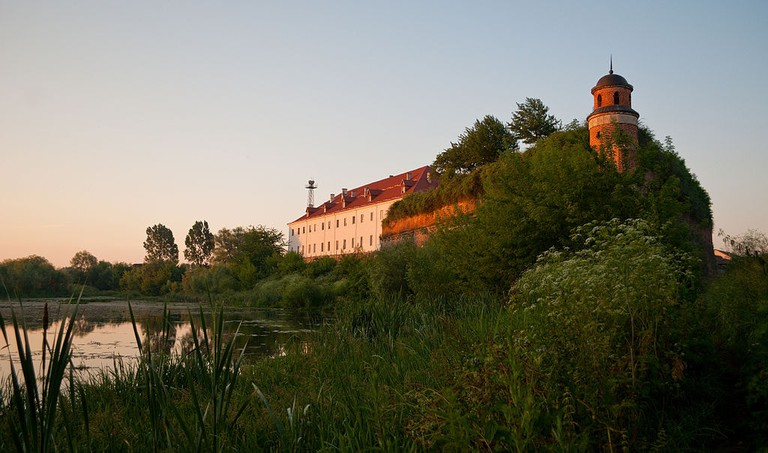 1024px-Dubno_castle_1
