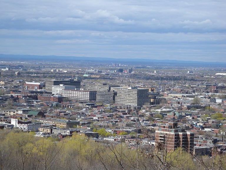 1024px-Le_Plateau-Mont-Royal,_Montreal,_QC,_Canada_-_panoramio_(47)