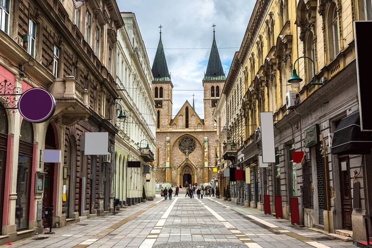The sacred heart cathedral in Sarajevo | © S-F/Shutterstock