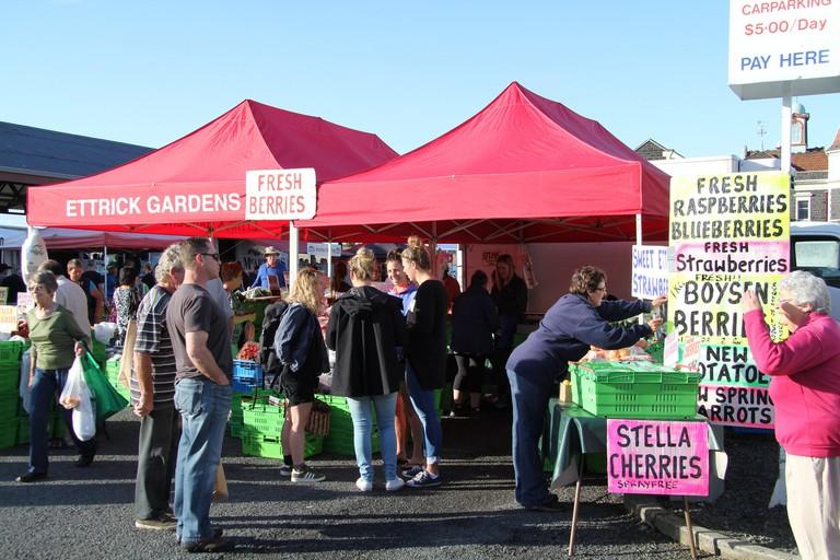 Fruit stalls at the Otago Farmers' Market