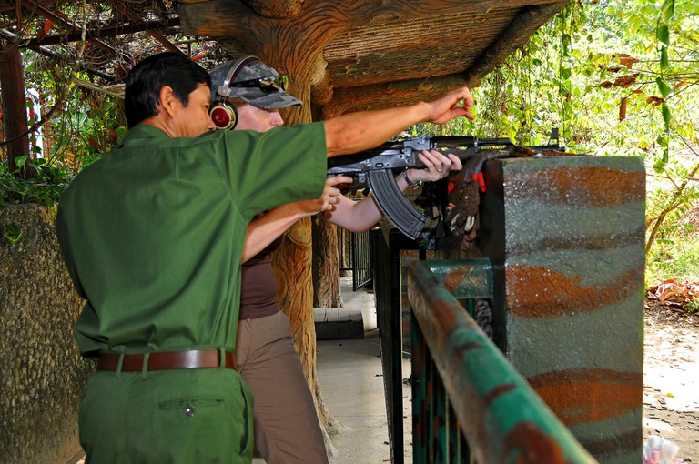 Any gun nut in Vietnam needs to try this | © Dennis Jarvis/Flickr
