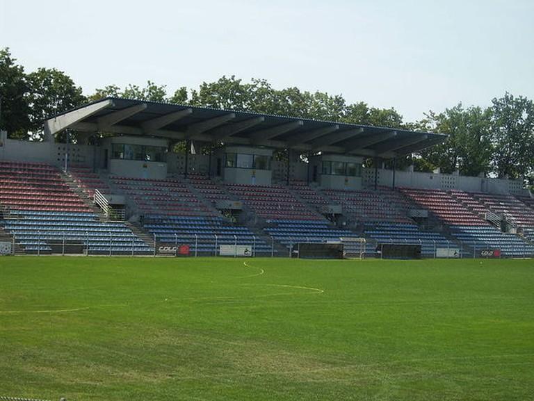 800px-Stadion_Odry_Opole