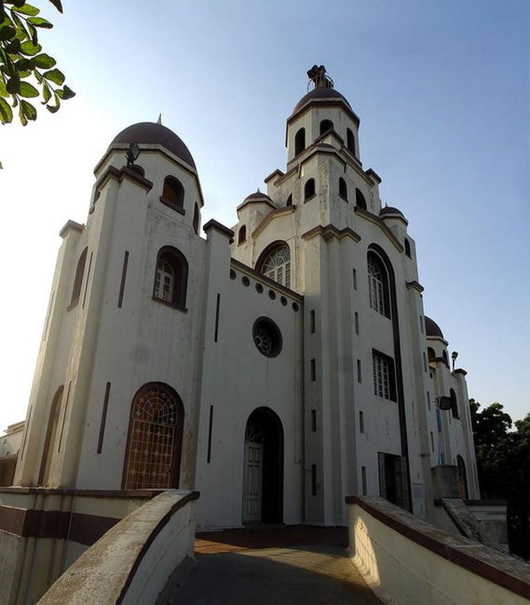 896px-Perambur_Our_Lady_of_Lourdes_church_enterance