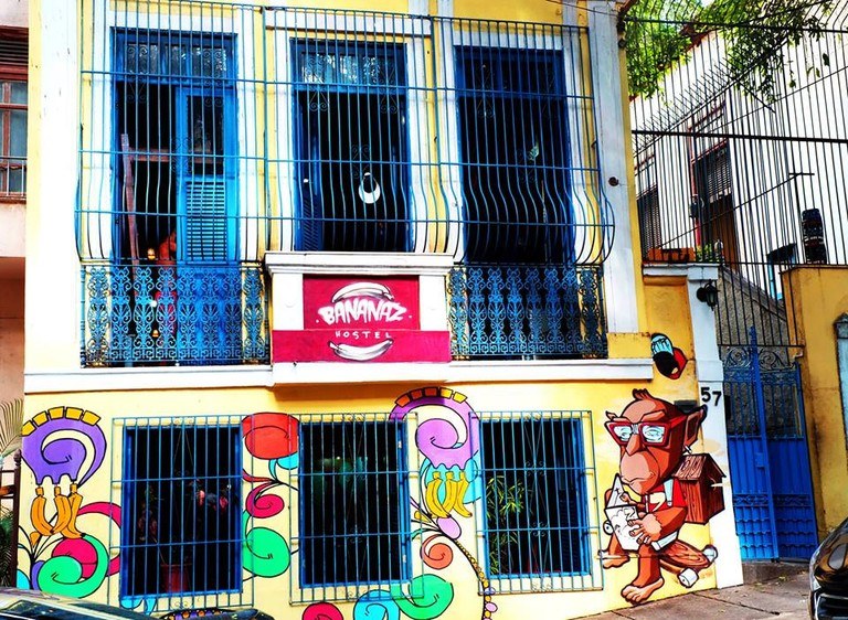 BananaZ Hostel in Lapa