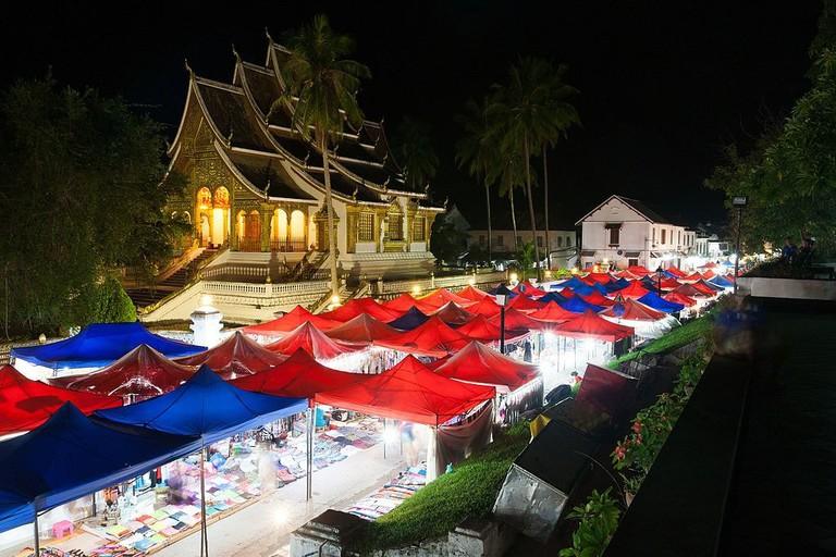 Luang_Prabang_Night_Market_2016(3)