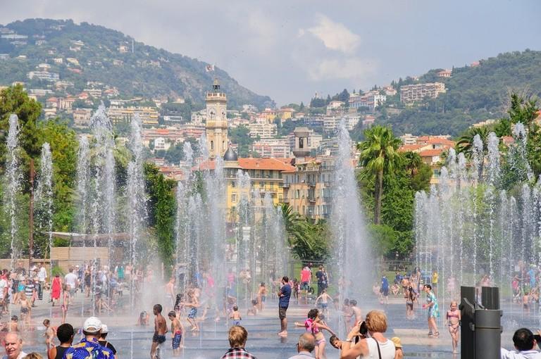 https://pixabay.com/en/nice-summer-water-feature-1265935/
