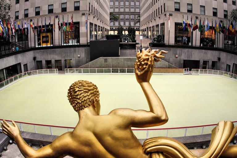 The Rink at Rockefeller Center l Phil Roeder Flickr