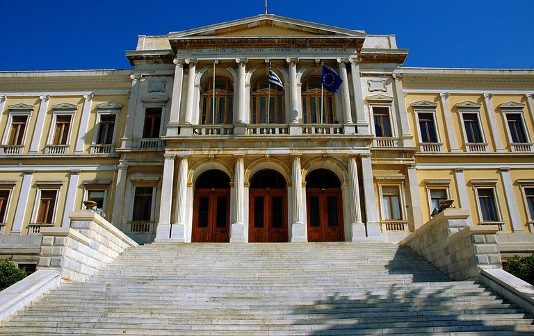 Town_hall_of_Syros_island,_Greece_-_panoramio