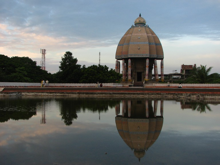 Valluvar Kottam Chariot facing the artificial pond located within the complex