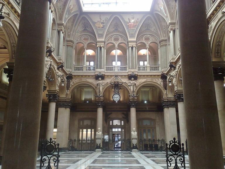 The interior of Palazzo della Borsa   © IlSistemone/WikiCommons