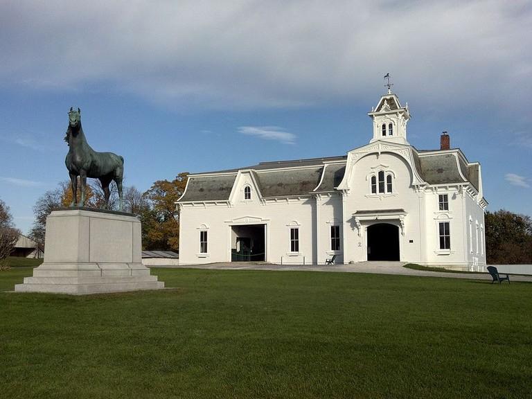 1024px-University_of_Vermont_Morgan_Horse_Farm_2012-10-18_20-19-37