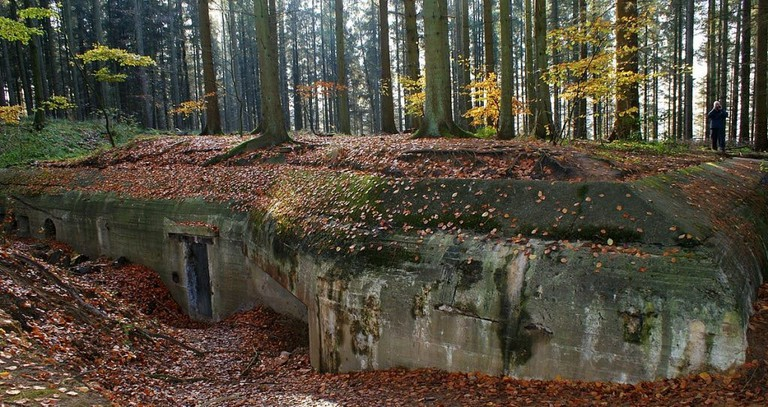 1200px-Bunker_ved_Silkeborg_Bad_-_panoramio