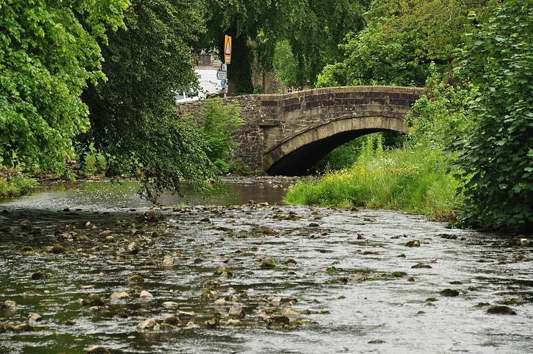 Bridge_over_Clapham_Beck_in_Clapham_(7881)