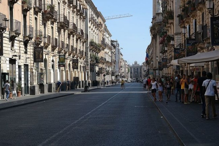 Catania_-_Via_Etnea