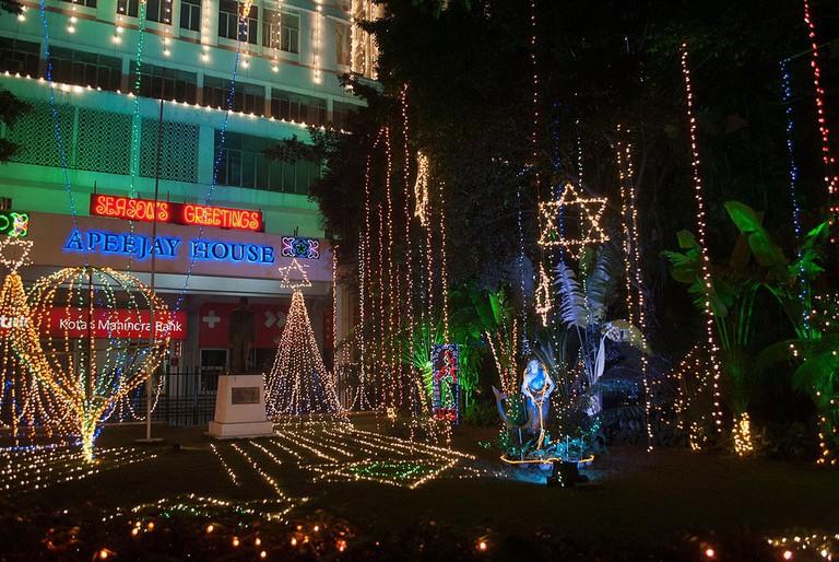Christmas Decor in Park Street, Kolkata Sujay25 WikiCommons