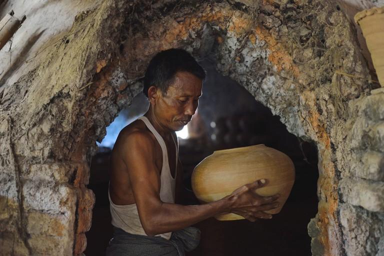 Clay-Potter-in-Myanmar