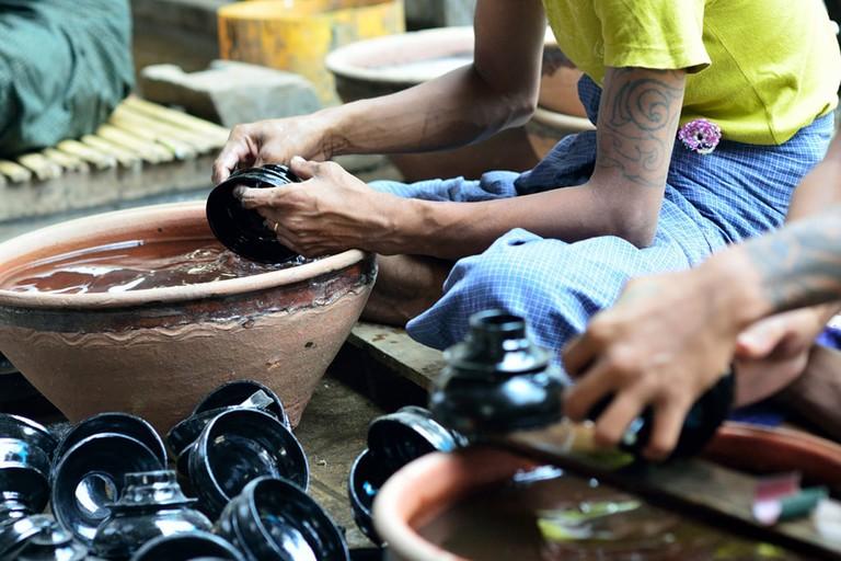 Making-Lacquerware-in-Bagan