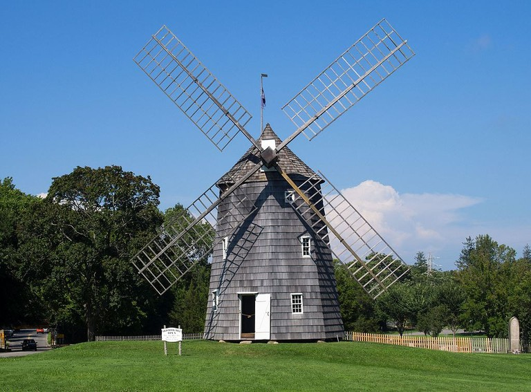 Old_Hook_Mill_in_East_Hampton_1