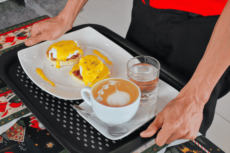 Eggs Benedict and coffee