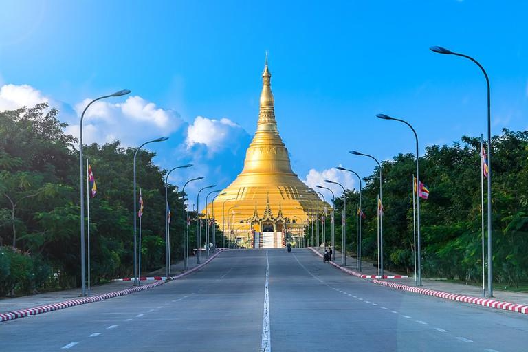Uppatasanti-Pagoda-in-Nay-Pyi-Taw-Myanmar