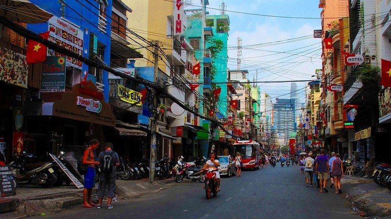 The one and only Bui Vien Street | © trungydang/WikiCommons