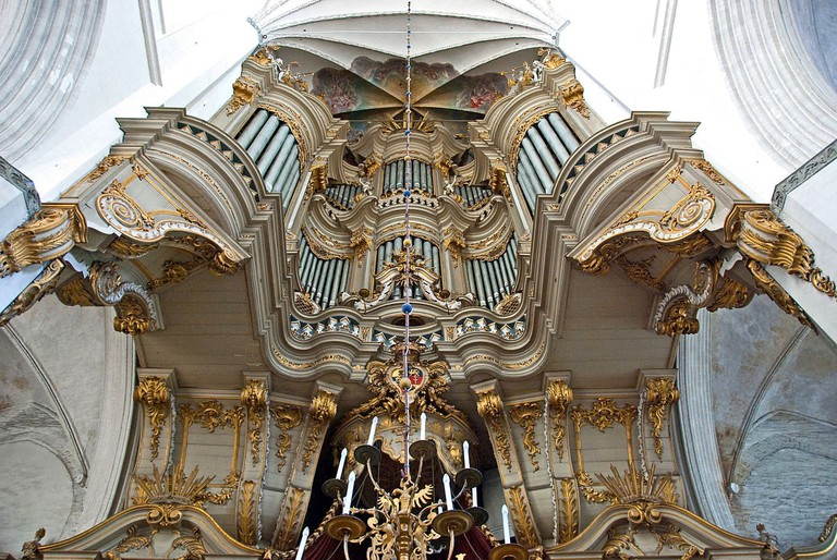 1280px-Rostock_-_Marienkirche_-_Orgel