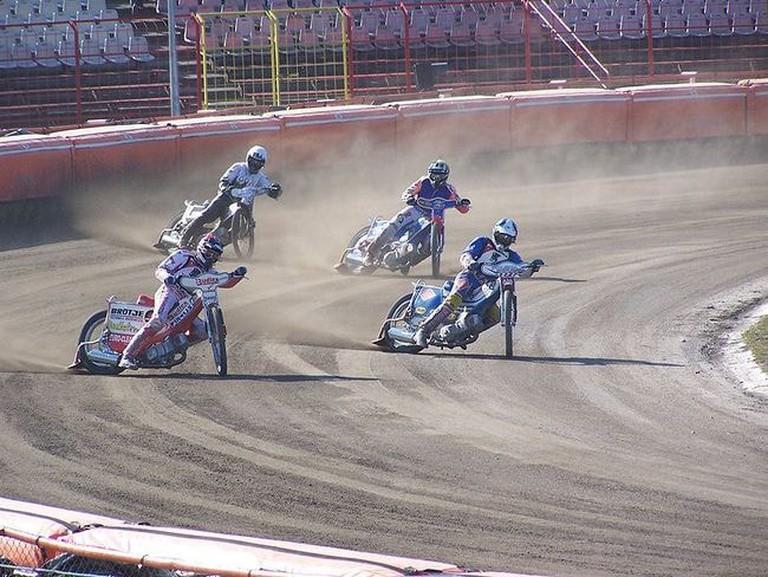 800px-Stadion_Polonii_Bydgoszcz_(bieg)