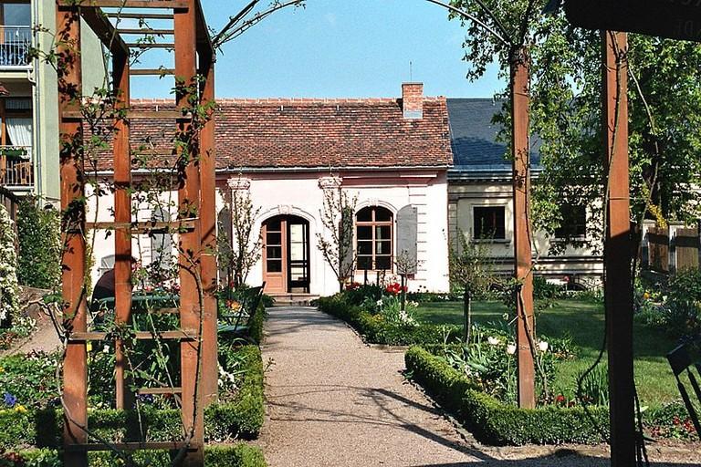 800px-Weimar,_der_Garten_vom_Kirms-Krackow-Haus-2