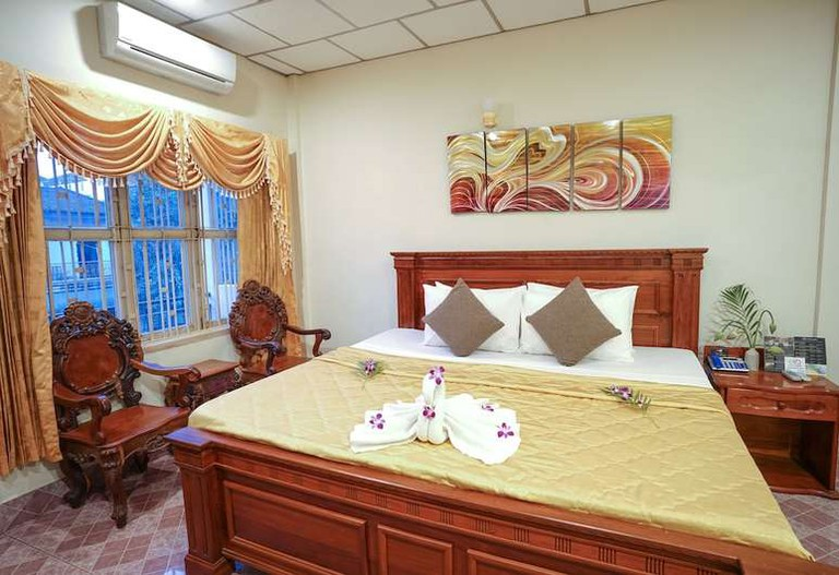 Royal Hotel, Krong Battambang