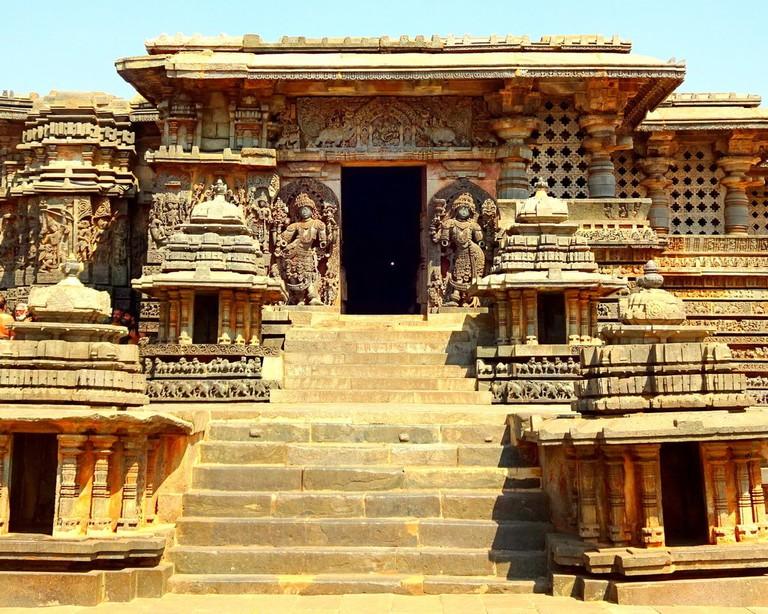 Hoysaleshwara Temple, Halebidu   © Abhin@v